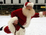 The Deluxe Father Christmas Goes Skating