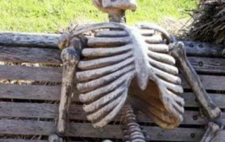 Satirical image of a skeleton waiting to leave the EU